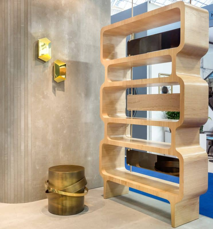 Fair stand at Decorex 2010 with products from Duistt inlcuding the large oak Copacobana shelf