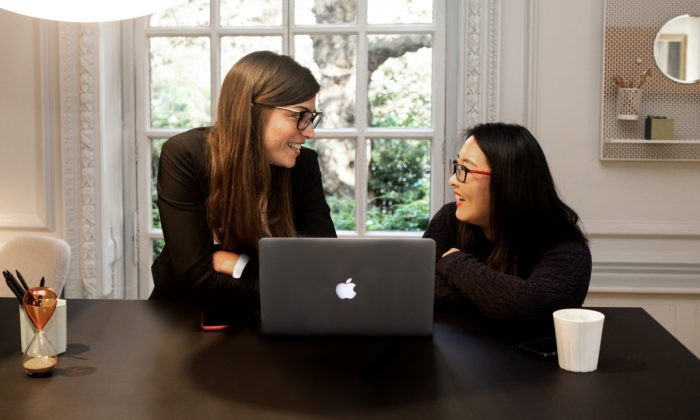 Clippings account manager and an interior designer discuss a project